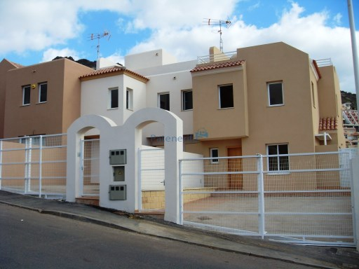 brand new semi detached villa madroñal de fañabe | 4 Bedrooms | 3WC