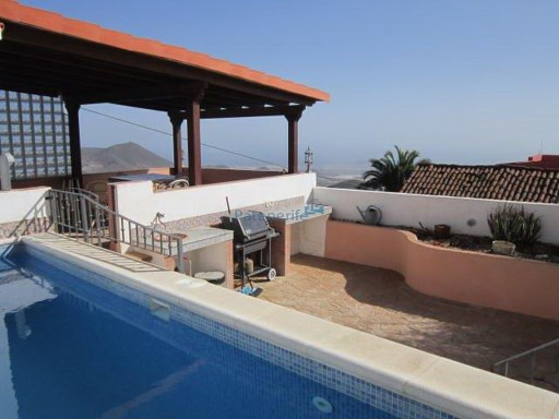 Typical canarian house for sale, with sea views | 3 Bedrooms | 2WC