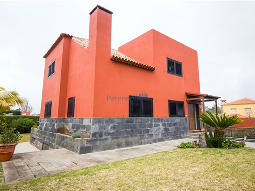 luxury modern villa in guamasa | 5 Bedrooms | 4WC