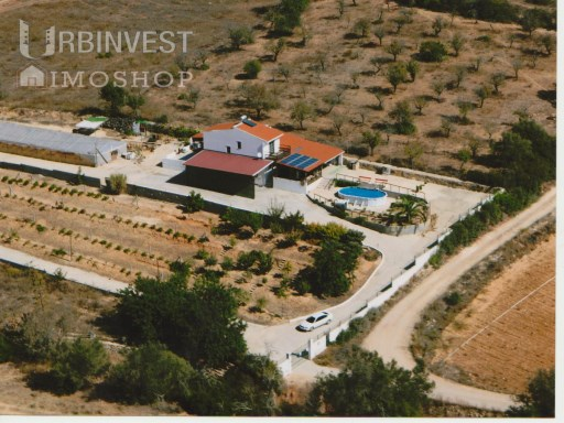 4 bedroom House with land in Olhão, Algarve | 4 Bedrooms + 1 Interior Bedroom | 3WC