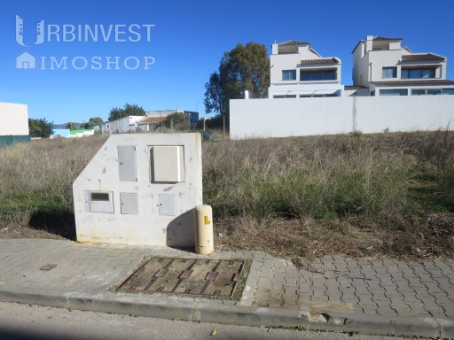 Urban plot in Gambelas, Faro |