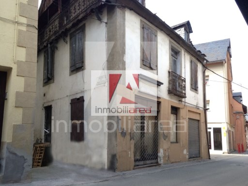 Two-flat House › Les | 4 Bedrooms