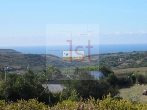 Land with 10,000 m2, sea view, Sintra. |