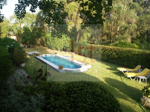Farm › Almada | 6 Bedrooms