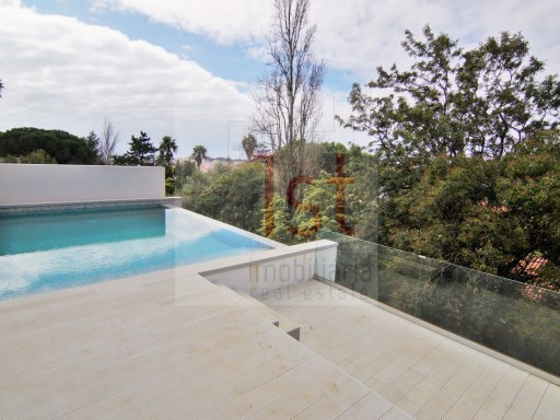 Luxury Townhouse V5 overlooking the Bay of Cascais | 5 Bedrooms | 6WC