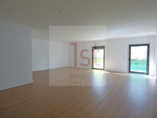 Charming apartment T4 Noble Zone of Lisbon-New | 4 Bedrooms | 3WC