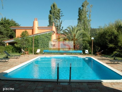 V4 Villa +2 (246m2) with pool on a plot of land with 4,520 m2, 20 Kms from Lisbon (Brighton) | 4 Bedrooms + 2 Interior Bedrooms | 3WC