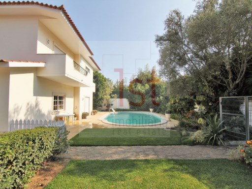 House › Cascais | 5 Bedrooms + 1 Interior Bedroom | 7WC