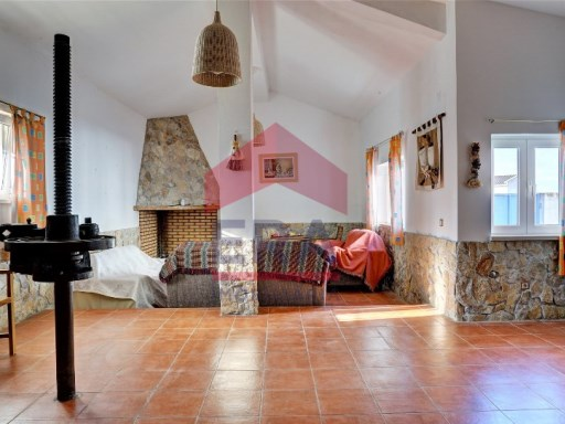 Semi-Detached House › Óbidos | 5 Bedrooms | 2WC
