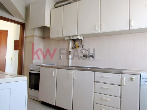 2 bedroom apartment close to all services and commerce. | 2 Bedrooms | 1WC