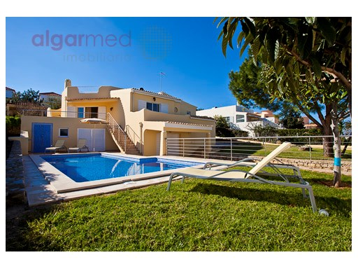 ALGARVE - Albufeira - 3 bedroom villa for sale, with a private pool, gardens and garage | 3 Bedrooms | 3WC