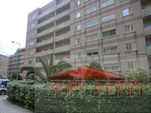 t2 61500 € hospital Gaia Monte Virgem | T2 | 2WC