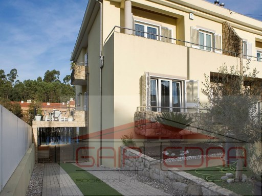 House › Santa Maria da Feira | 3 Bedrooms | 4WC