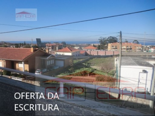 House › Vila Nova de Gaia | 4 Bedrooms | 2WC