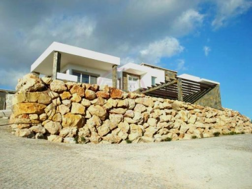 Contemporary luxury villa with panoramic views and swimming pool | 4 Bedrooms | 4WC