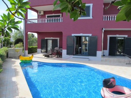 Villa with 5 bedrooms, renovated, close to the beach in Albufeira | 5 Bedrooms | 4WC