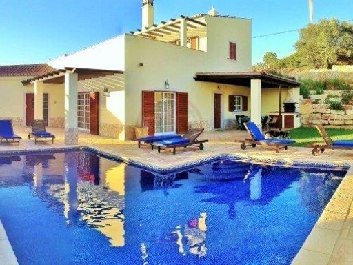 High quality villa with 4 bedrooms and with countryside views | 4 Bedrooms + 2 Interior Bedrooms | 5WC