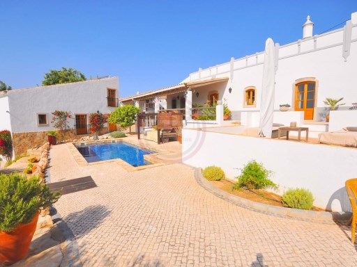 Beautiful farmhouse, recently built, with sea and counstryside view | 3 Bedrooms + 2 Interior Bedrooms | 3WC