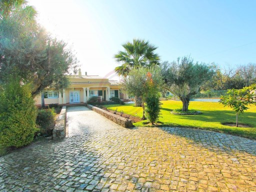 Quality villa with 5 bedrooms near Loulé | 3 Bedrooms + 2 Interior Bedrooms | 4WC
