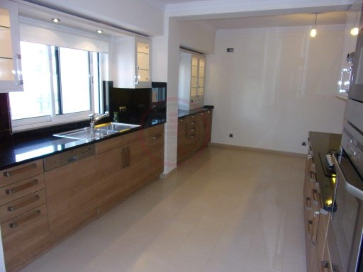 Luxury 5 bedrooms apartement in Faro | 5 Zimmer | 4WC