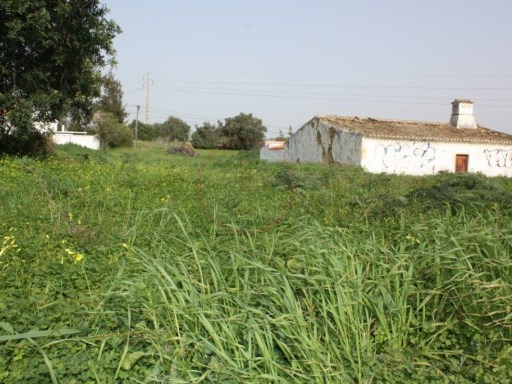 Plot for construction on the outskirts of Almancil with 1.206sqm |