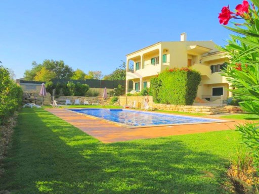 Apartment with 3 bedrooms and communal pool near Quinta do Lago | 3 Bedrooms | 2WC