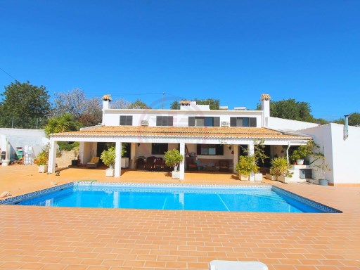 Property consisting of 5 Studios and 2 annexes, with pool and sea views | 8 Bedrooms | 8WC