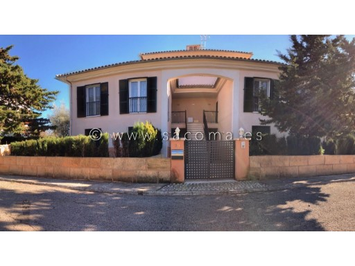 Mallorca, Port Verd, 3 Bedrooms Ground floor apartment with double garage and storage room | 3 Bedrooms | 2WC