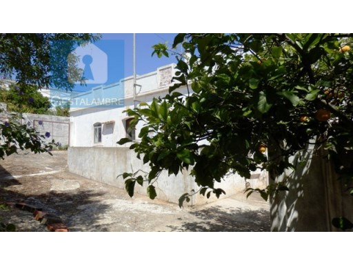 Excellent farm for sale, with ruin for refurbishment in Paderne, Albufeira | 2 Bedrooms