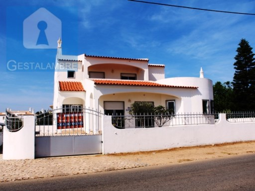 4 bedrooms villa with great sea views, just 5 min walk from Galé and Salgados beach, Albufeira | 4 Bedrooms | 3WC
