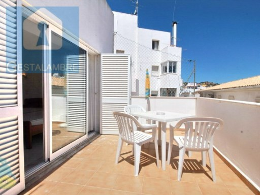 Excellent property to 5 minutes walk from the beach of Albufeira | 3 Bedrooms | 2WC