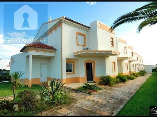 House 3 bedrooms in private condominium with swimming pool in Vale Parra Albufeira | 3 Bedrooms | 3WC
