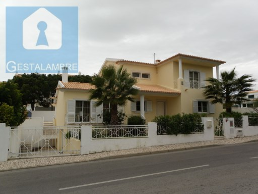Detached villa for sale in Falesia, Albufeira. | 4 Bedrooms | 4WC