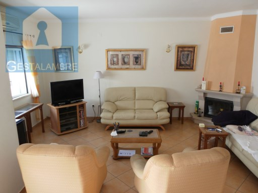 Three bedroom townhouse for sale in Albufeira