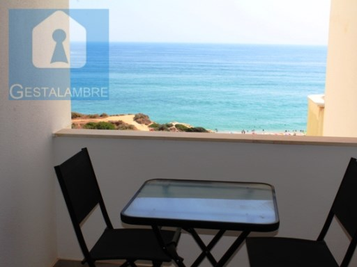 Magnificent T1 apartment located in first line of sea in Armação de Pêra.  | 1 Bedroom | 1WC