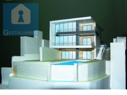 Excellent plot in Albufeira, with project approved for construction of luxury villa with pool |