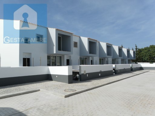 Terraced House › Albufeira | 4 Bedrooms | 4WC
