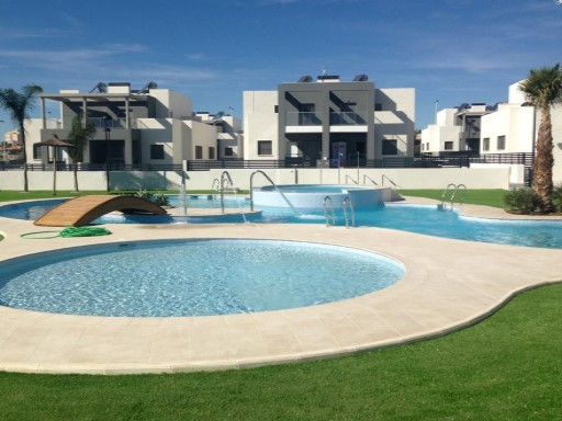 Terraced House › Torrevieja | 3 Bedrooms | 2WC