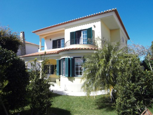 House › Sintra | 3 Bedrooms | 3WC