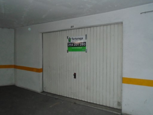 Garage for rent in Beautiful Sintra |