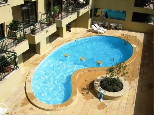 Apartment for sale houses in Carnaxide | 3 Bedrooms | 2WC