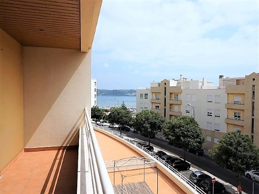Apartment for sale in Algés houses off | 3 Bedrooms | 3WC