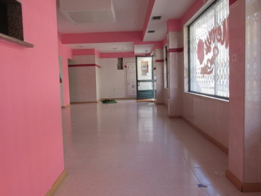 Stores shop for sale or lease Rio de Mouro |