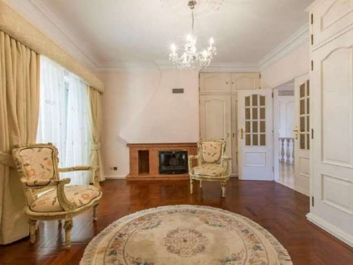 House › Lisboa | 14 Bedrooms | 5WC