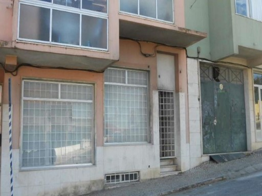 Warehouse for sale in Porto Salvo, Oeiras |