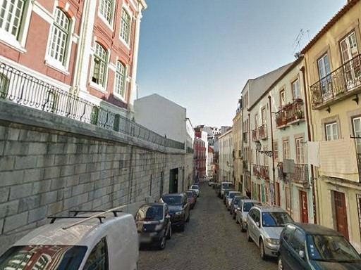 Buildings Housing building for sale in Mercy, Lisbon |