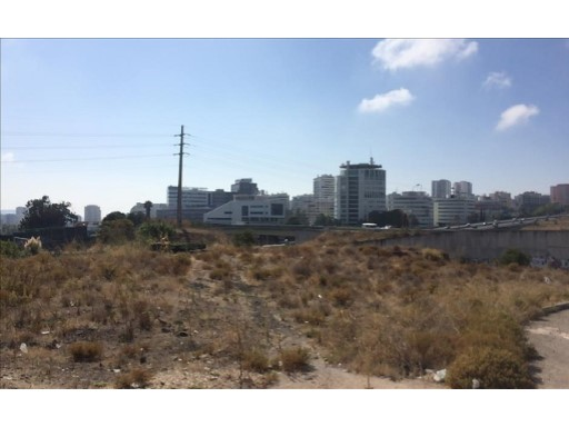 Land for sale in Oeiras, Carnaxide |