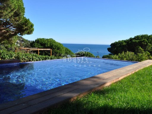 Luxury villa in exclusive area of Cala Sant Francesc, Blanes ref.0917 | 4 Bedrooms | 5WC