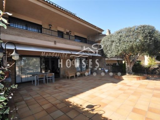 Seafaring, from the beach of Lloret de Mar | 5 Bedrooms | 3WC