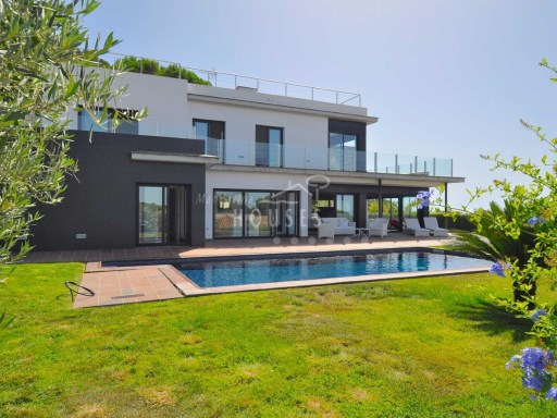 Villa Roman, modern with pool and views to the sea, Roca Grossa, Lloret de Mar | 4 Bedrooms | 4WC